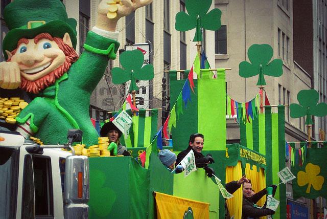 В этот день все города Ирландии «зеленеют»