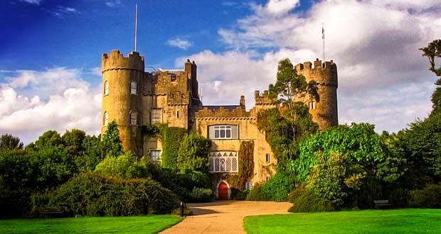 Замок Малахайд – жемчужина ирландской истории, где побывала сама железная леди Маргарет Тэтчер